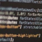 Чому динамічні мови програмування створюють труднощі при супроводі великих об'ємів коду?