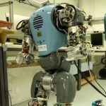 Роботів навчили рухатися природніше